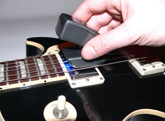 E-Bow - смычек электрогитары