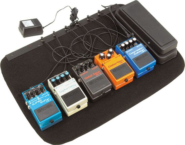 Musicians Gear powered pedal board