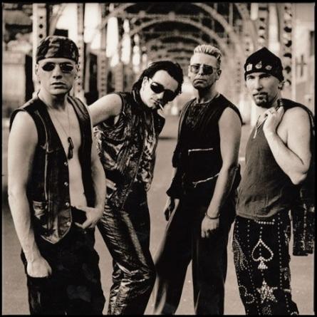 """U2 - смотрим """"С небес на землю"""""""