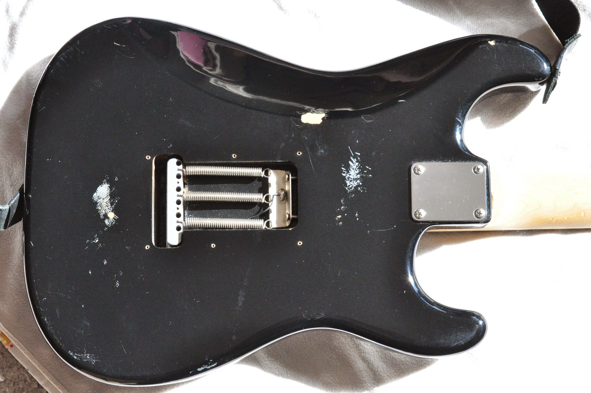 Kurt-Cobain-MIM-Fender-Stratocaster